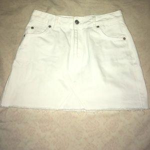 Topshop white skirt NEVER WORN (size 4)